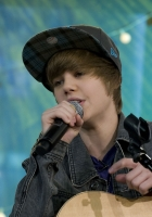 justin bieber, performance, guitar