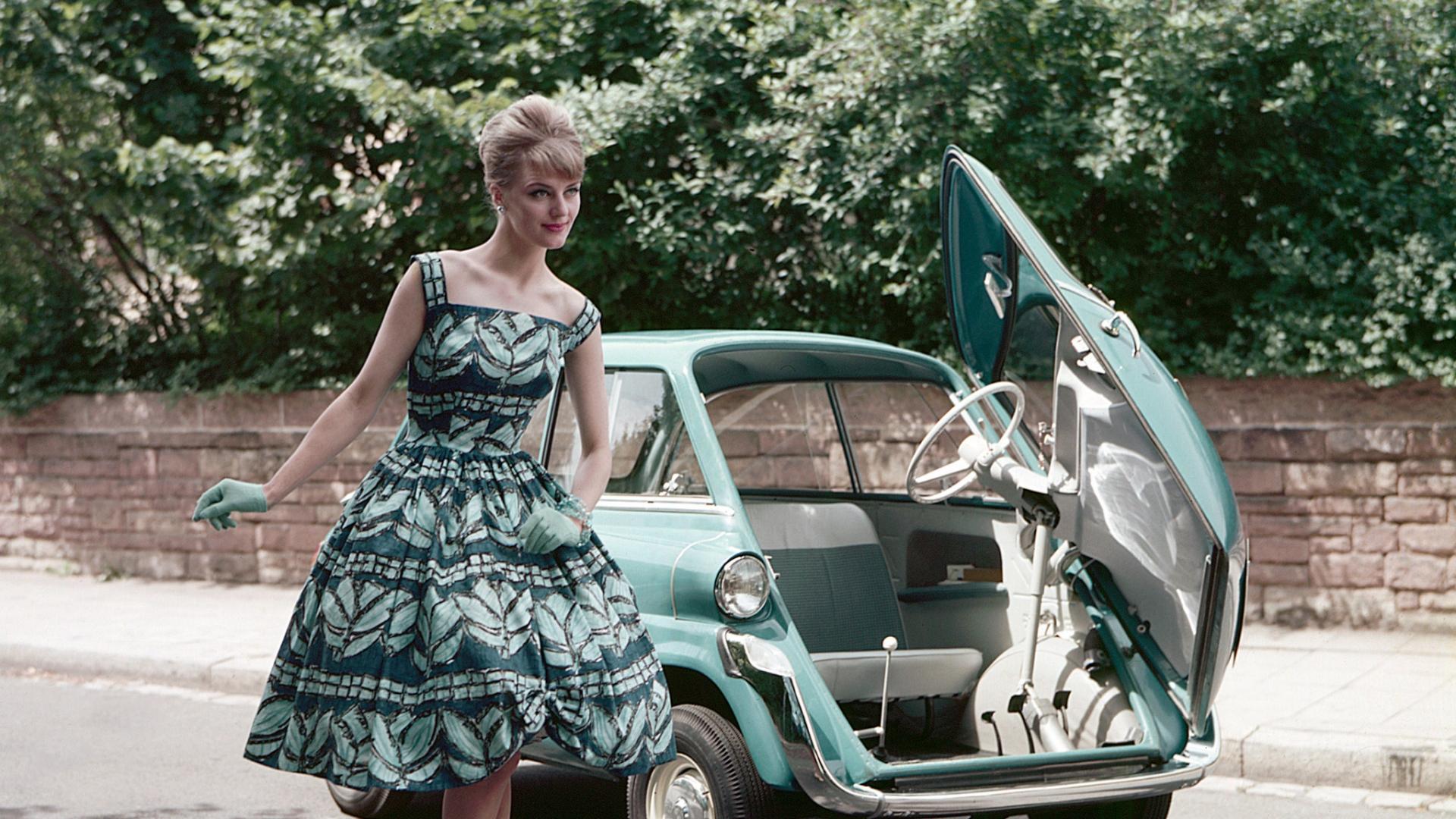 Фото девушек 60 годов в платьях