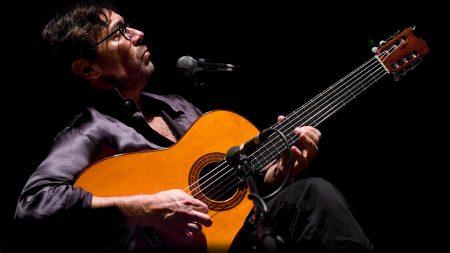 al di meola, guitar, microphone