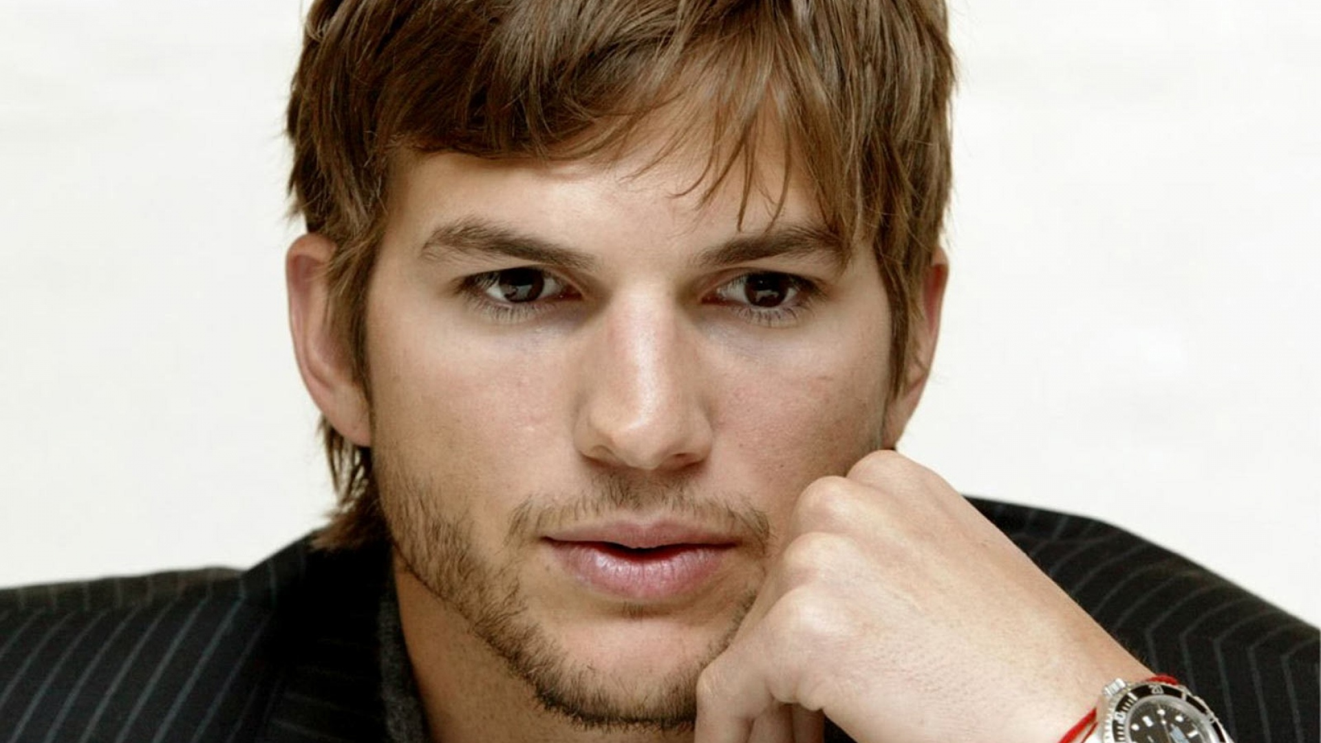 Download Wallpaper 1920x1080 ashton kutcher, dark-haired ...