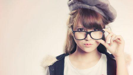 brunette, glasses, hat