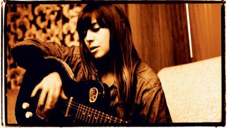 cat power, girl, guitar