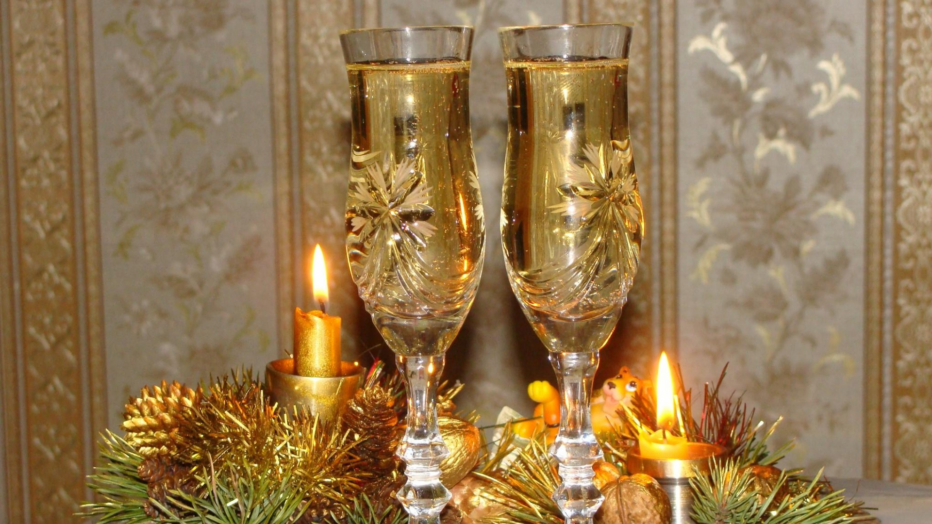 1920 champagne glass