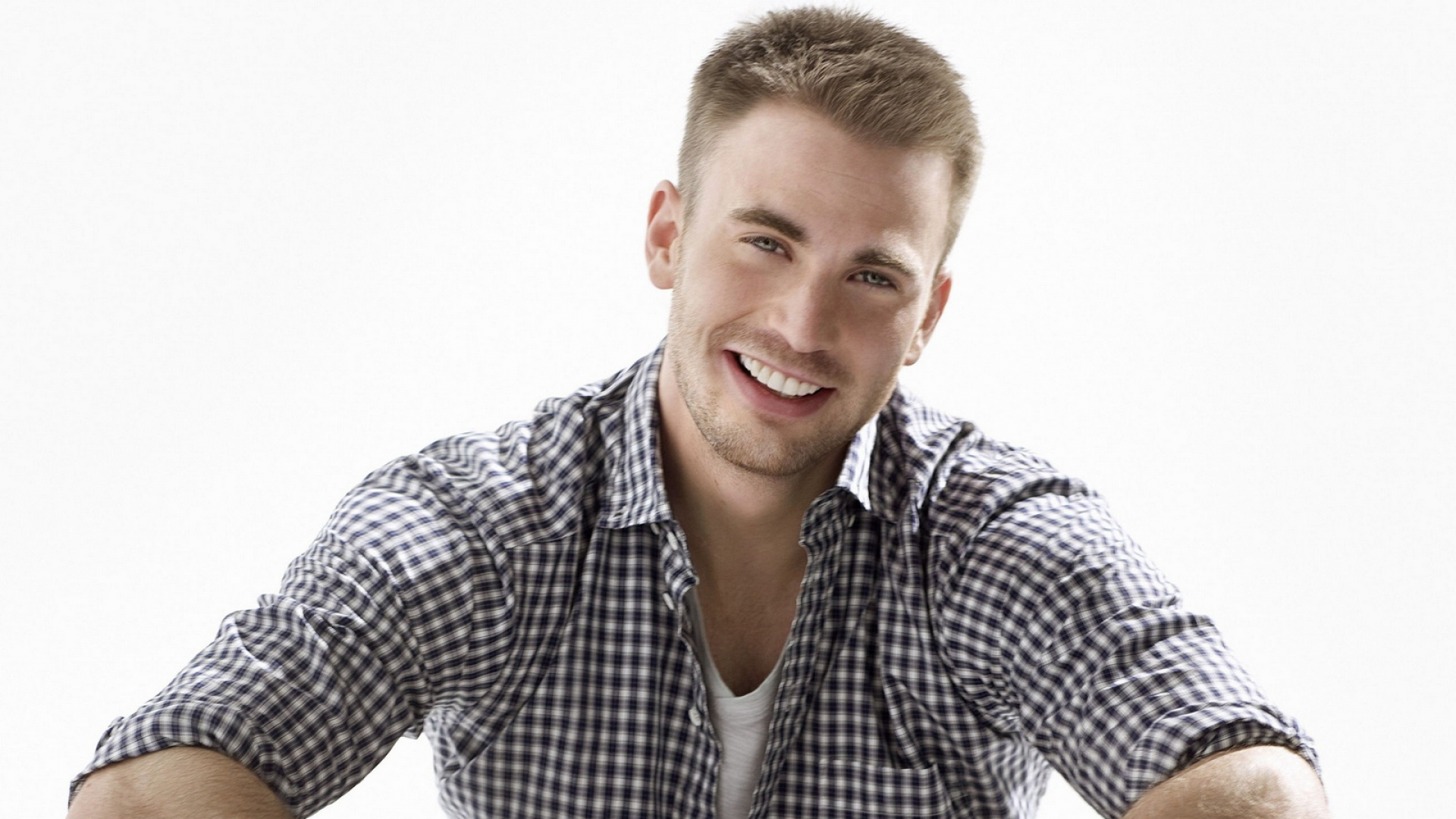 Get The Latest Chris Evans Actor Guy News Pictures And Videos Learn All About From Wallpapers4uorg Your Wallpaper
