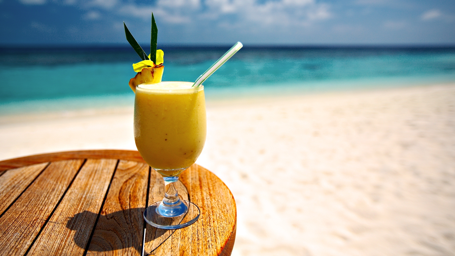 Download Wallpaper 1920x1080 cocktail, beach, pineapple, decor ... for Pineapple Wallpaper Beach  54lyp