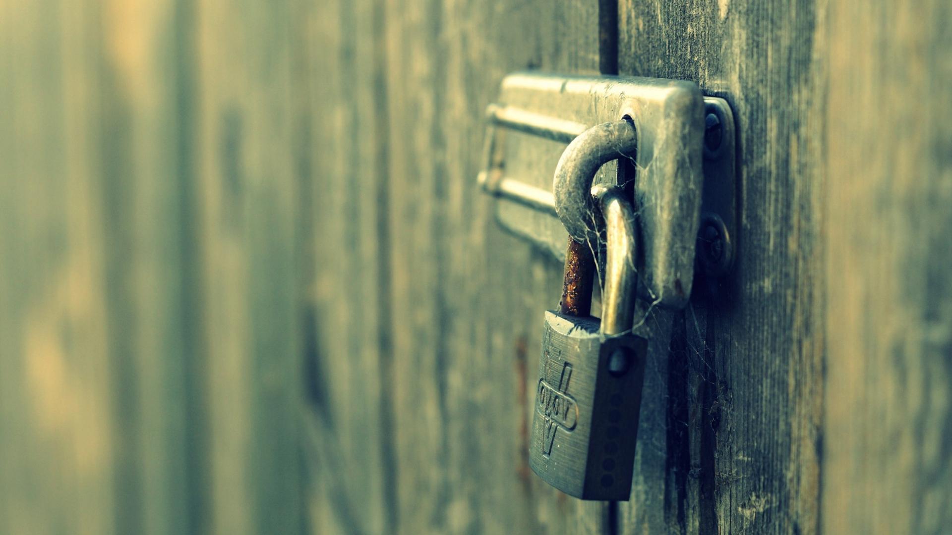 door lock closed & Download Wallpaper 1920x1080 door lock closed Full HD 1080p HD ...