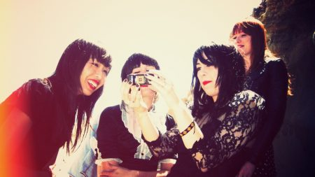 dum dum girls, smile, girls