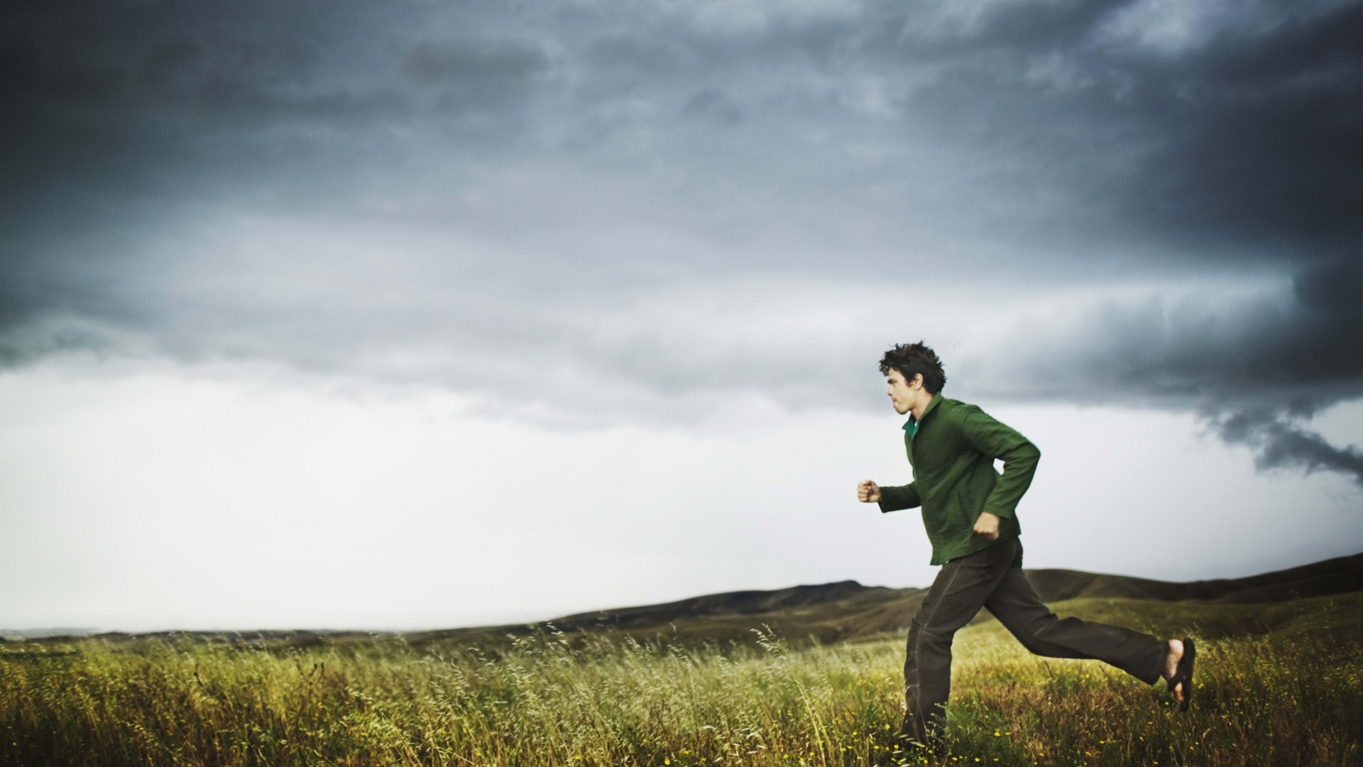 Download Wallpaper 1920x1080 Field, Sports, Running, Storm
