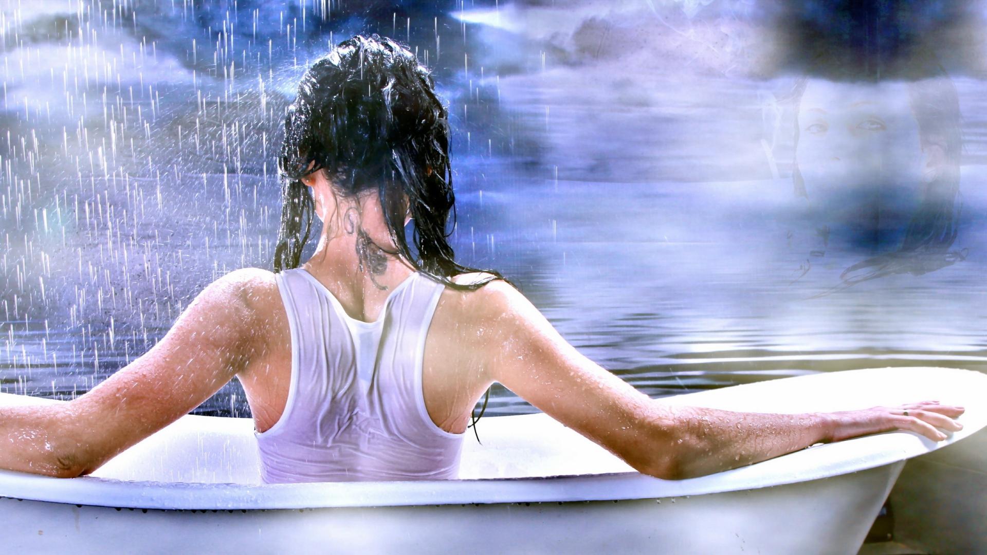 Download Wallpaper 1920x1080 girl, spin, bath, shirt, wet, water ...