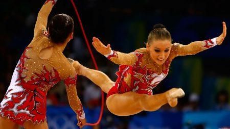 gymnasts, twine, skipping rope