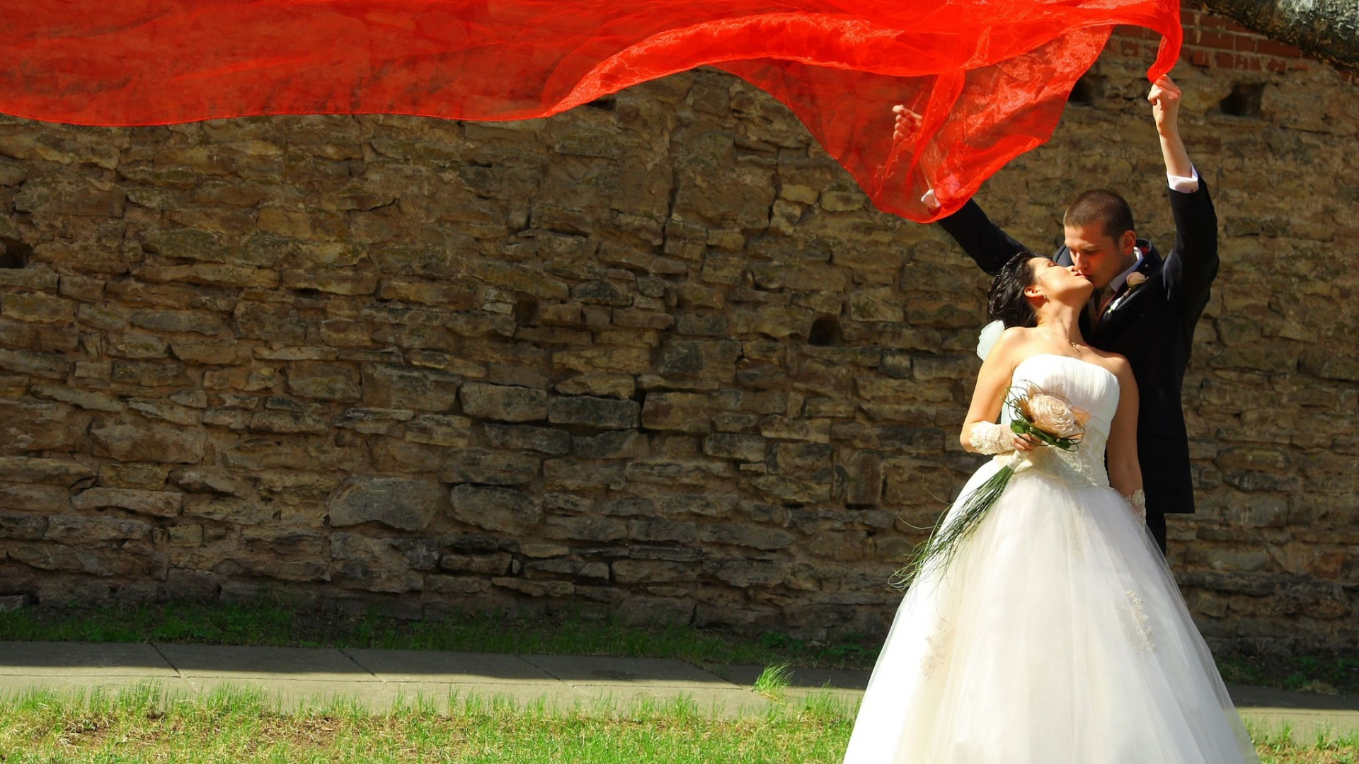 Download Wallpaper 1920x1080 Holiday Wedding Bride Groom Red