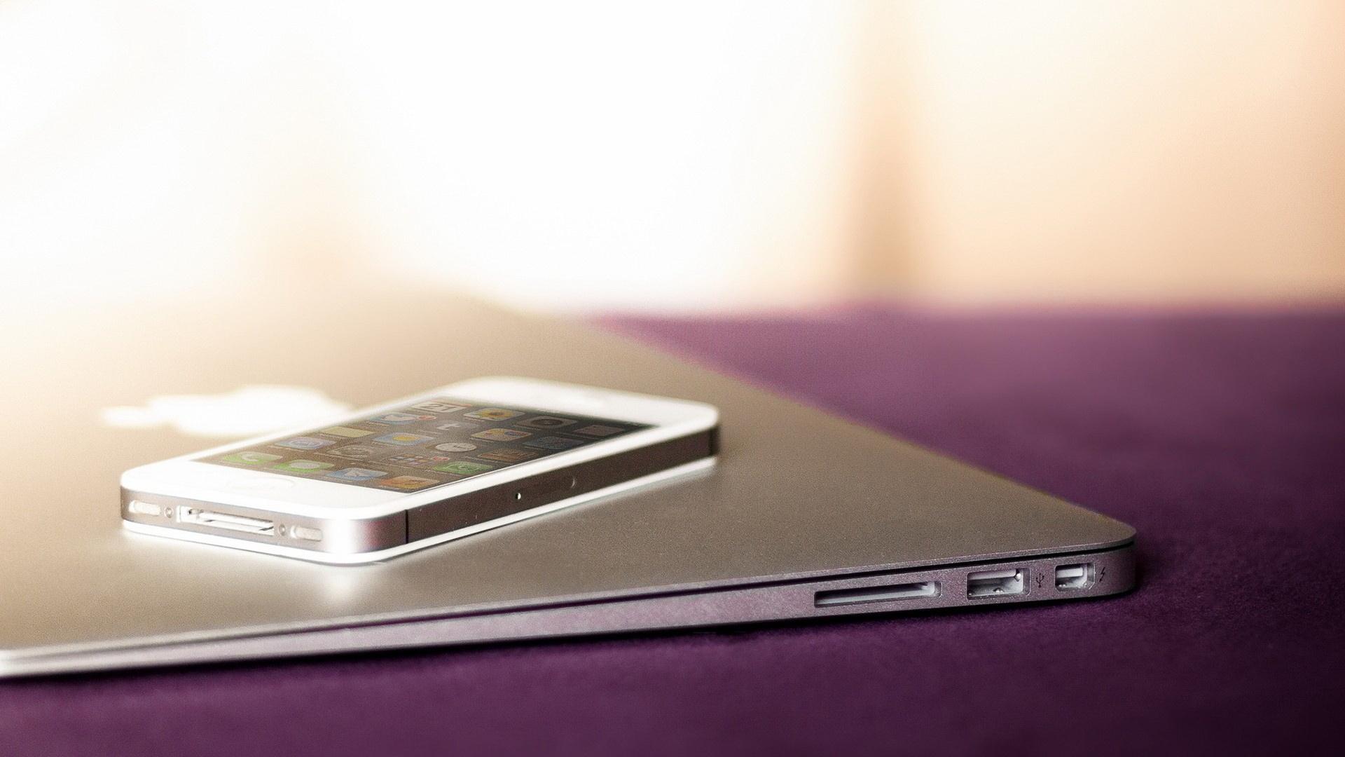 Download Wallpaper 1920x1080 Iphone 5 Macbook Apple Full