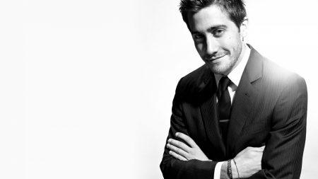 jake gyllenhaal, actor, black white
