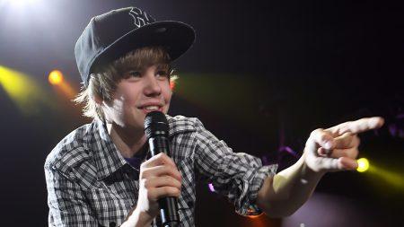 justin bieber, microphone, cap