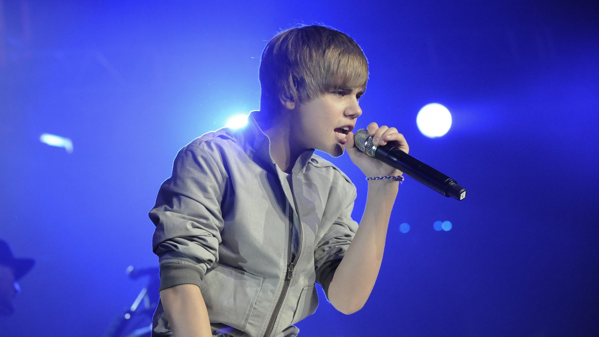 justin biebers concert wallpaers image collections