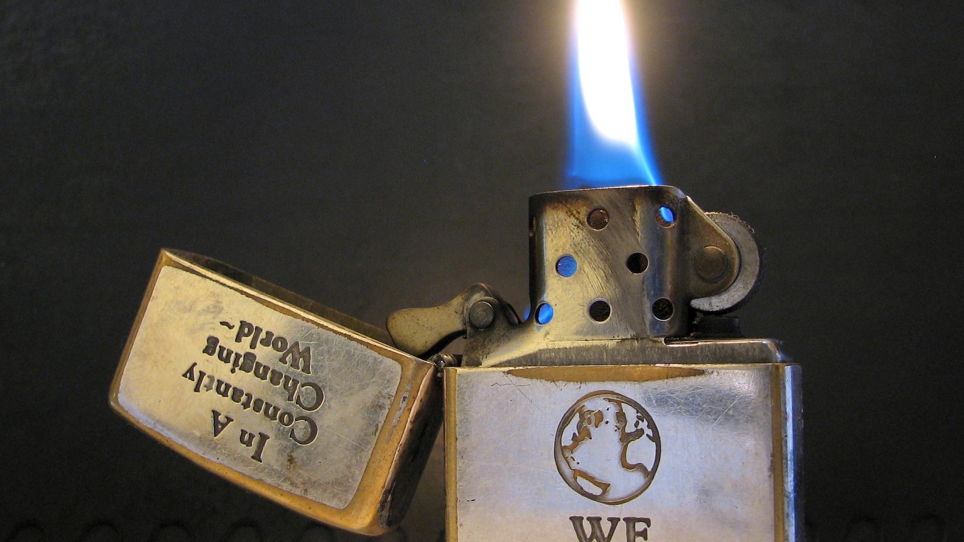 Download Wallpaper 1920x1080 Lighter Metal Fire Flame Full HD