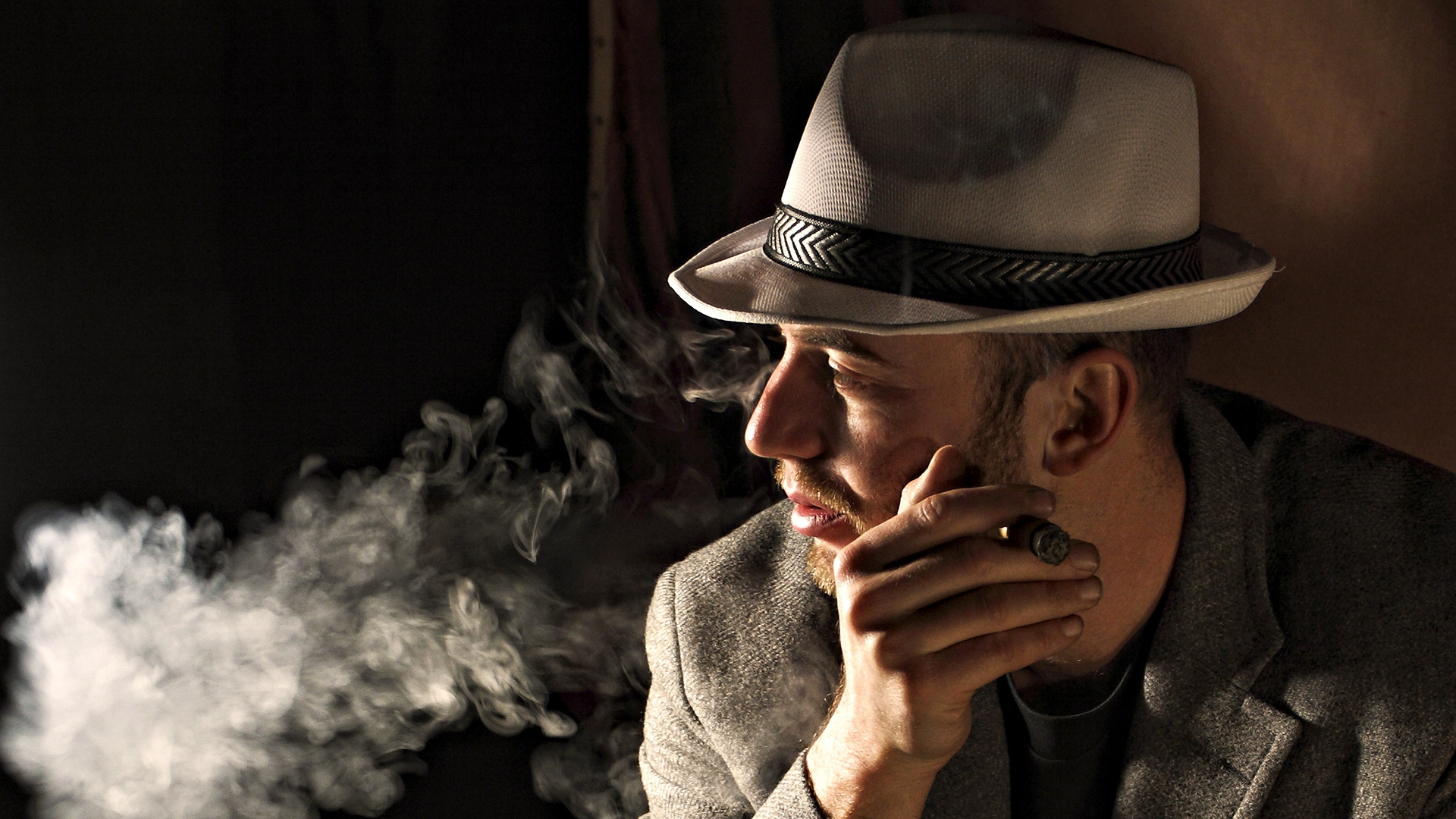 download wallpaper 1920x1080 man hat cigar smoke