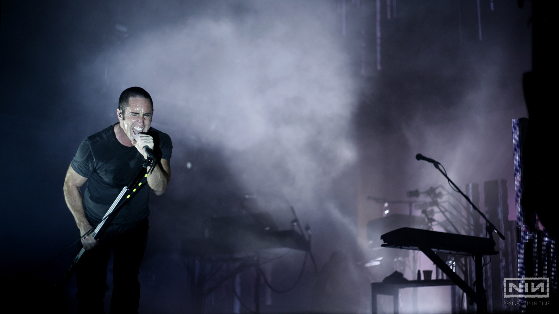 Download Wallpaper 1920x1080 nine inch nails, concert, singing ...