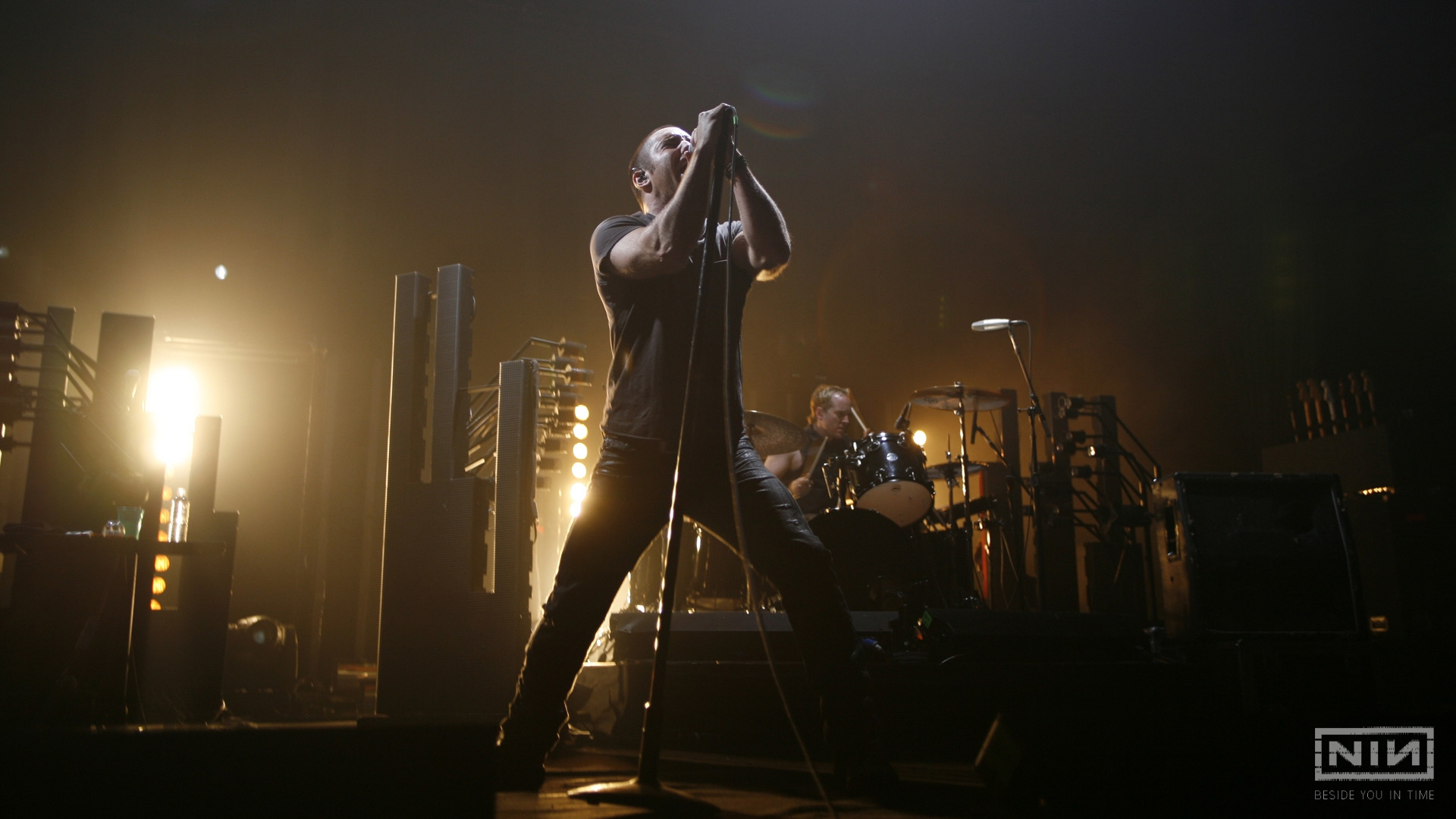 Download Wallpaper 1920x1080 nine inch nails, show, soloist, drum ...