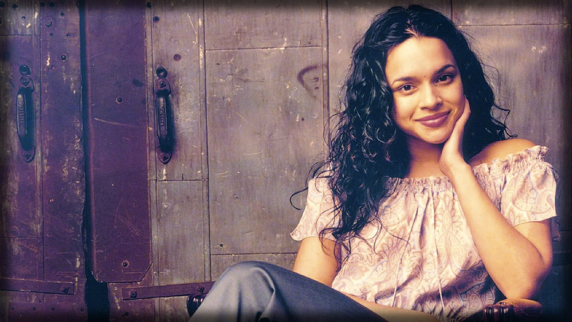 Download Wallpaper 1920x1080 norah jones, haircut, girl, clothes ...