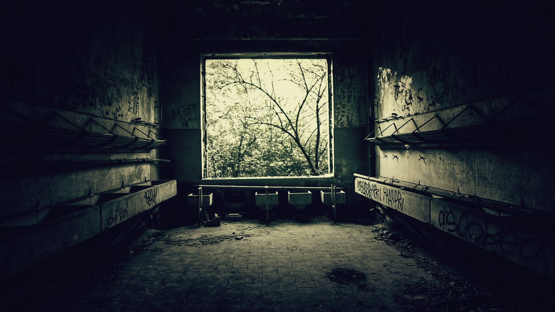 Download wallpaper 1920x1080 room bathroom old black for Black room wallpaper