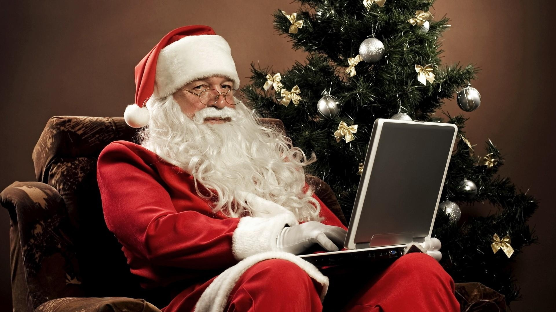 Download Wallpaper 1920x1080 Santa Claus Sitting Look