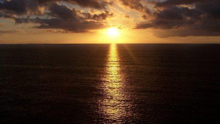 sunlight, line, sea