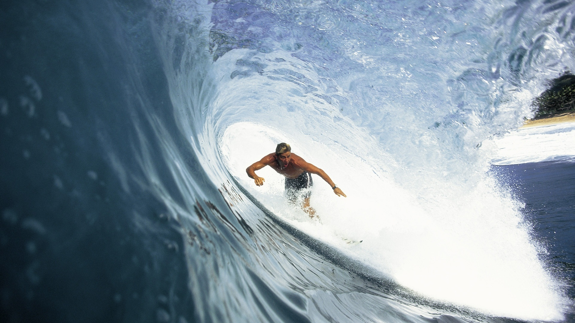 Download Wallpaper 1920x1080 Surfing Wave Extreme Guy