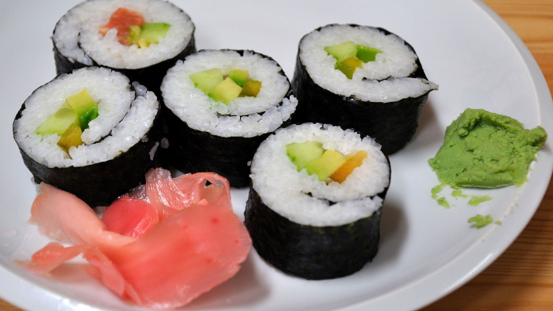 how to eat ginger with sushi