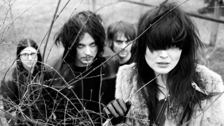 the dead weather, band, girl