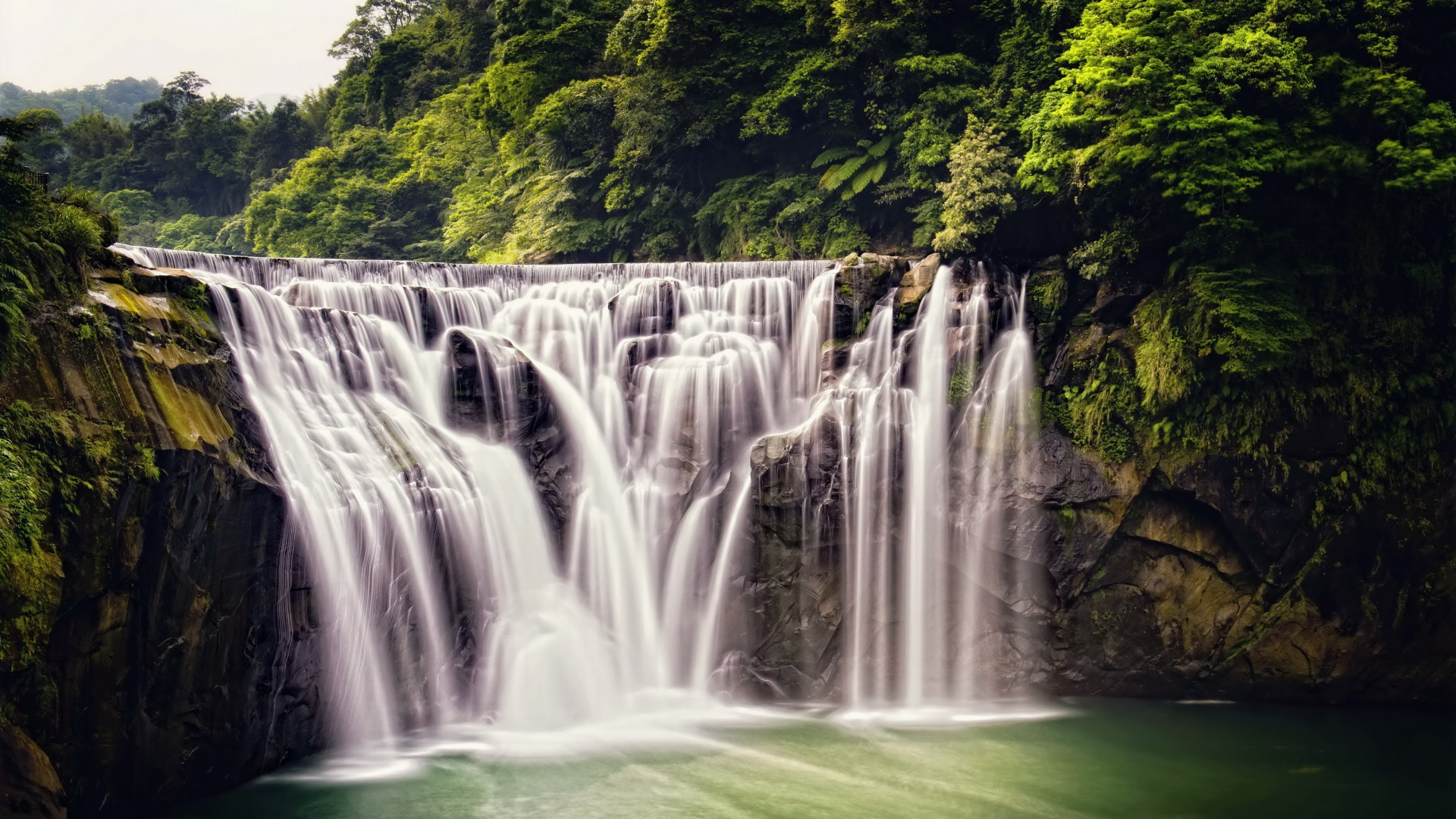 how to get to shifen waterfall from shifen station