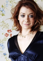 alyson hannigan, smile, dress
