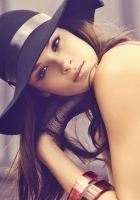 brunette, face, hat