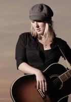 claudia koreck, guitar, girl