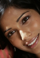 freida pinto, brunette, brown-eyed