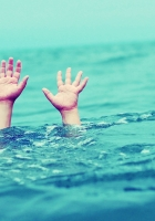 hand, child, drowning