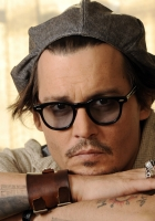 johnny depp, glasses, bracelet