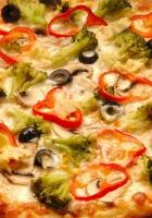 pizza, broccoli, pepper