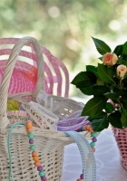 roses, baskets, hats