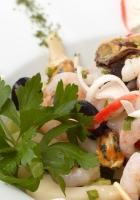 salad, shrimps, olives