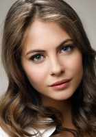 willa holland, brunette, face