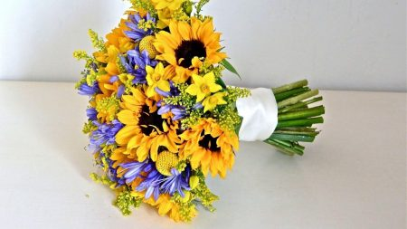 agapanthus, sunflowers, bouquet