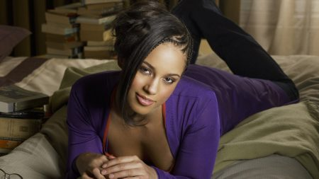 alicia keys, girl, bed