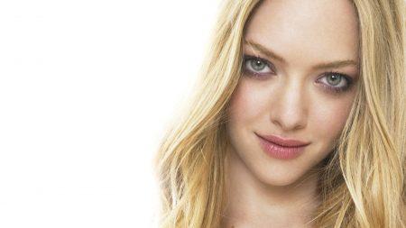 amanda seyfried, blonde hair, gray eyes
