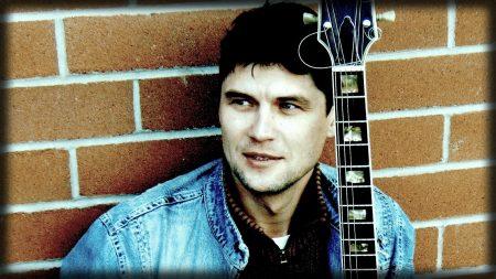 artur bayramgalin, guitar, brunette