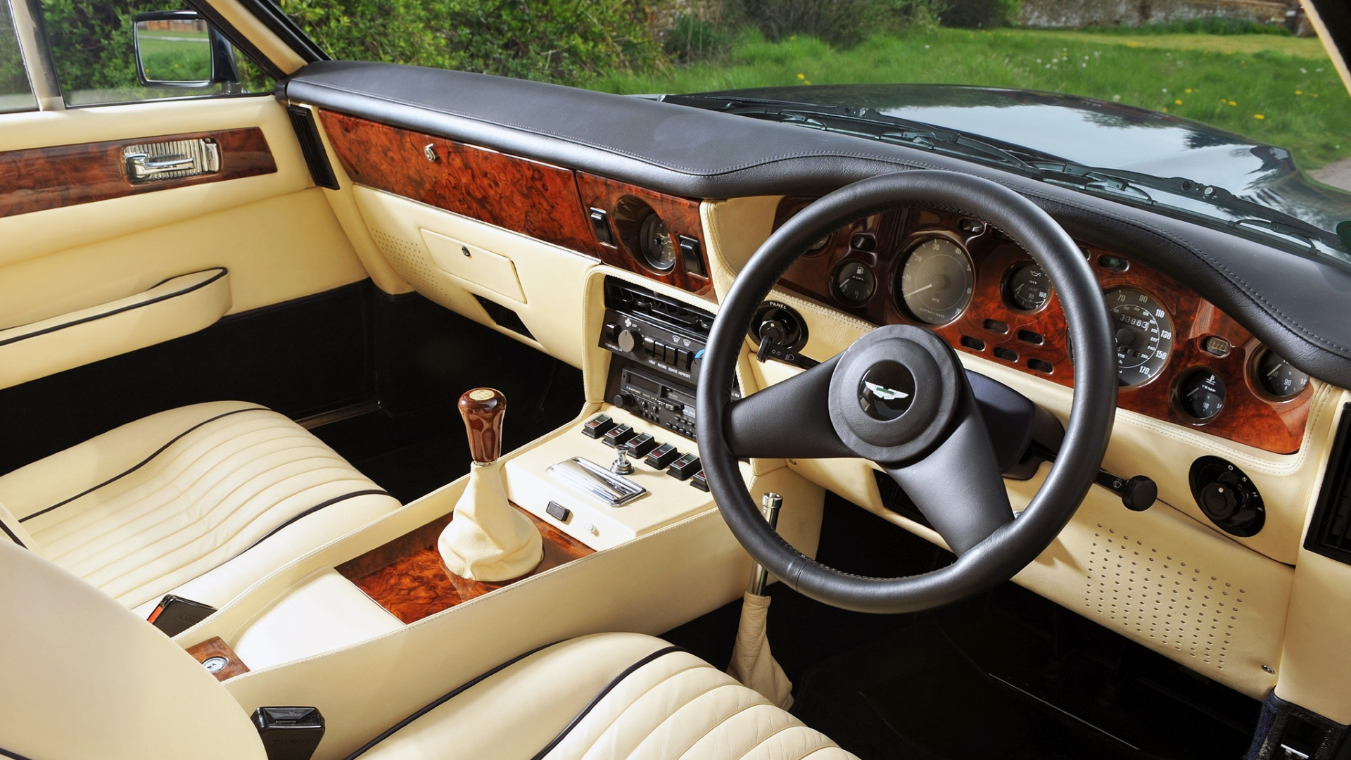 Wallpaper Aston Martin V8 Vantage 1977 Salon Interior Steering Wheel Speedometer