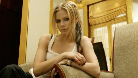 avril lavigne, blonde, singer