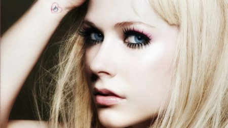 avril lavigne, tattoo, face