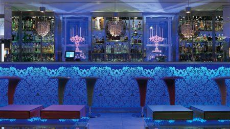 bar, tables, style