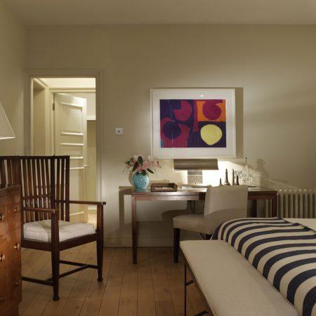 bed, dresser, furniture